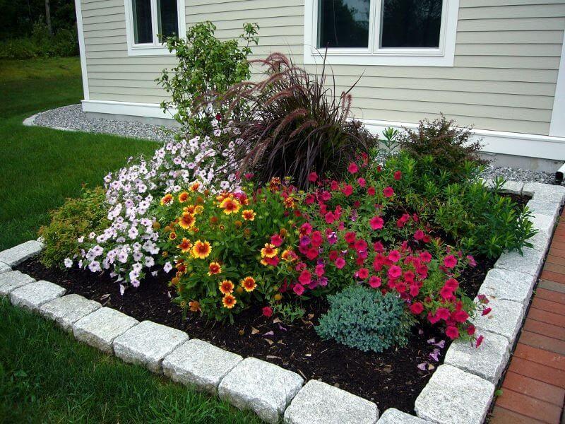 An Art Of Decorating Yard Landscape